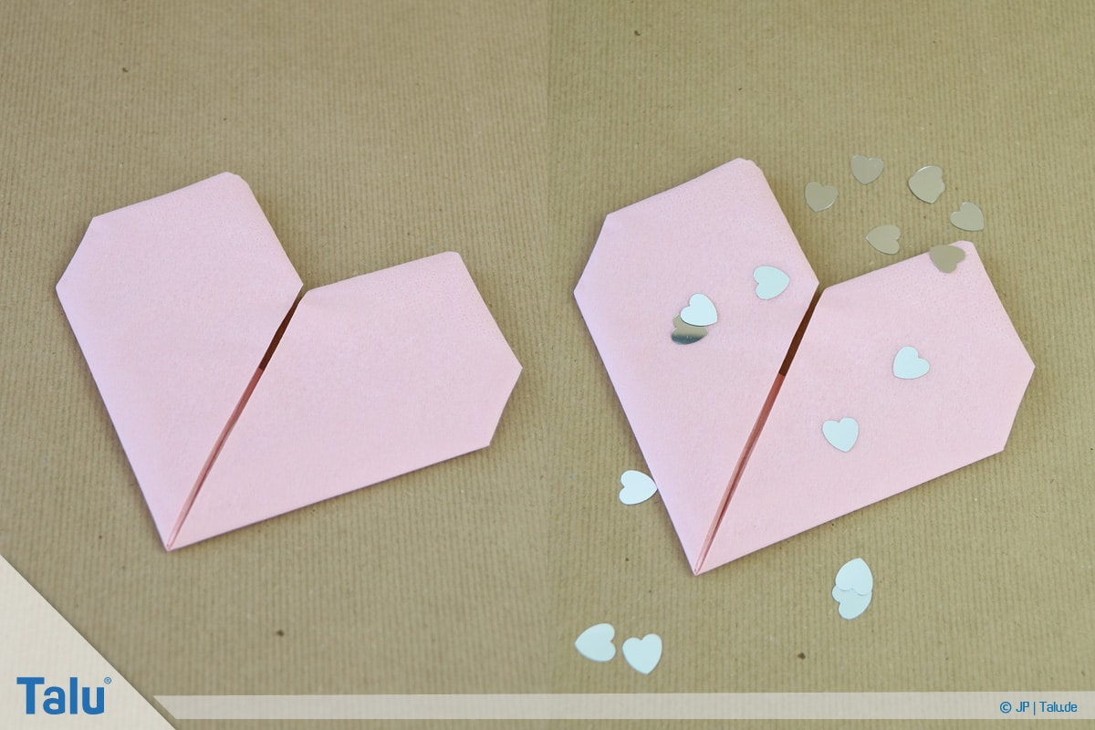 Stoffservietten falten, Herz, Herz aus Papierserviette gefaltet