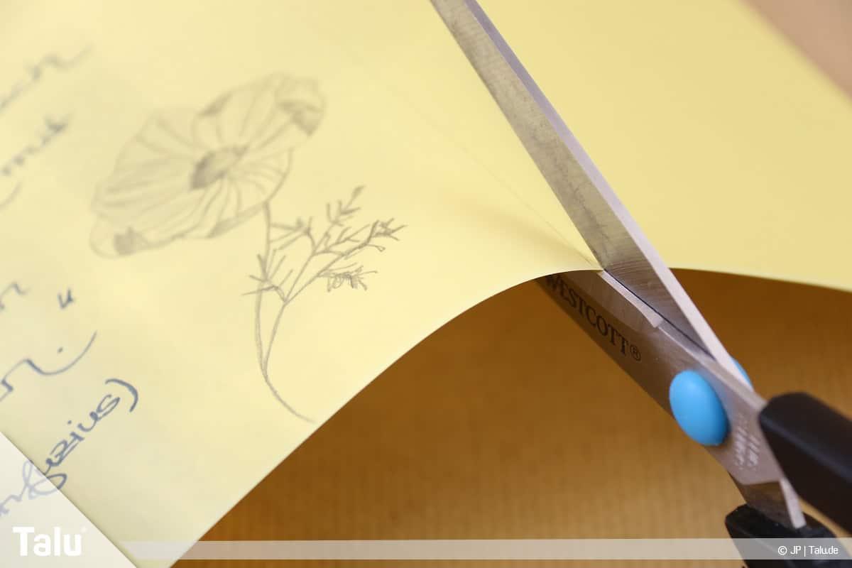 Abschiedsgeschenk für Kollegin basteln, gerahmter Spruch, Tonpapier zuschneiden