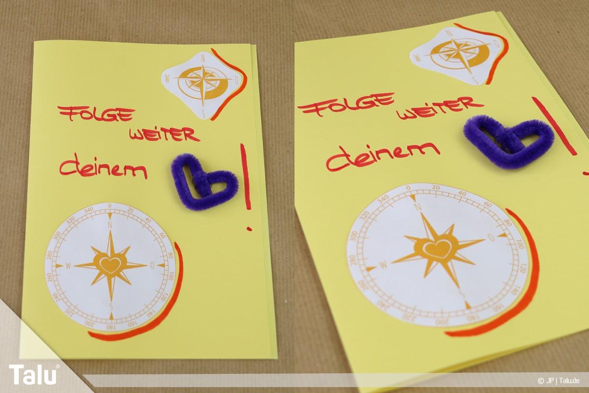 Abschiedskarten für Kollegen basteln, Anleitung mit Vorlagen, fertige Karte mit Kompass