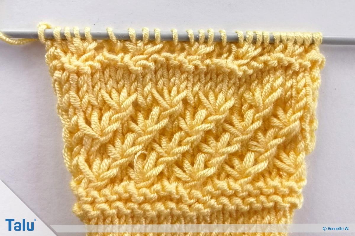 Babyjacke stricken, Anleitung Größe 56/62, Sternchenmuster dritte Reihe