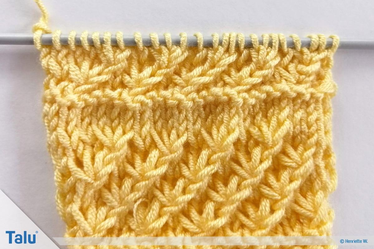 Babyjacke stricken, Anleitung Größe 56/62, Sternchenmuster vierte Reihe