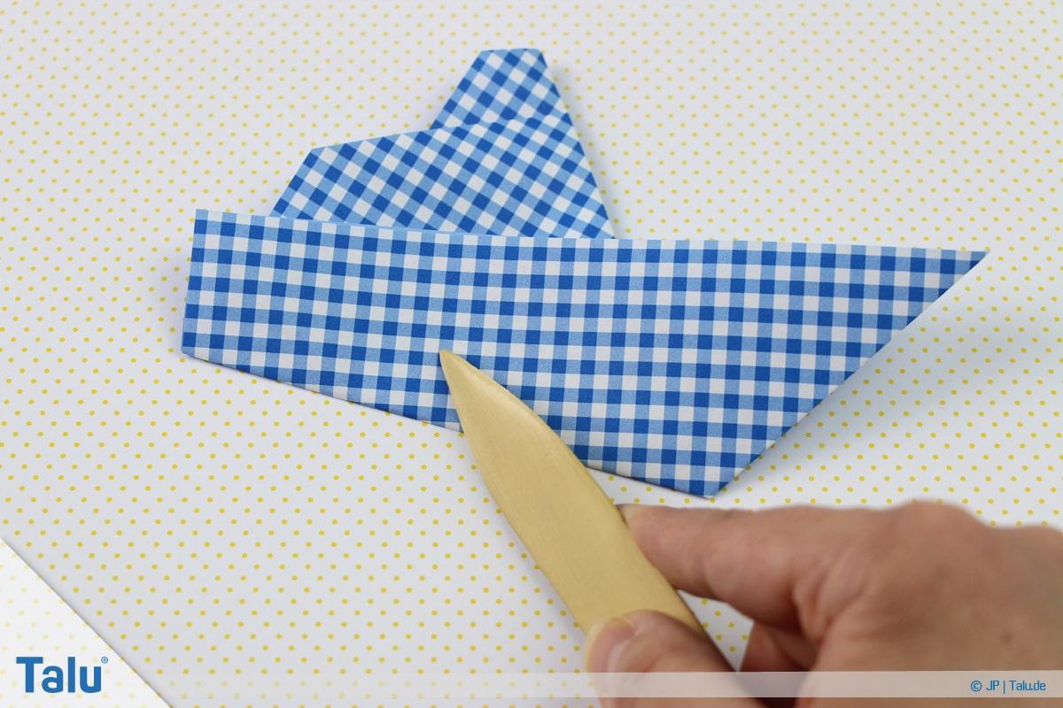 Origami Boot, Schiff basteln, erstes Schiffchen, Falzbein verwenden