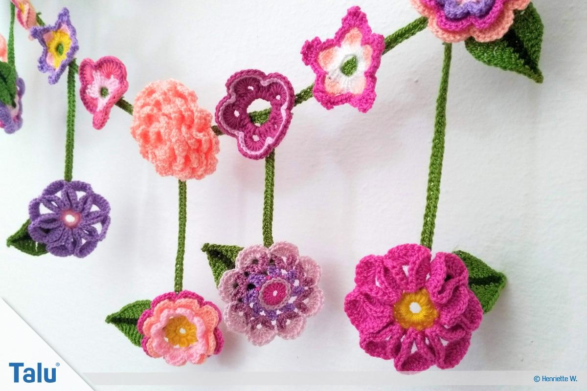 Blumenkette häkeln, Anleitung Blumengirlande, gehäkelte Blumenkette