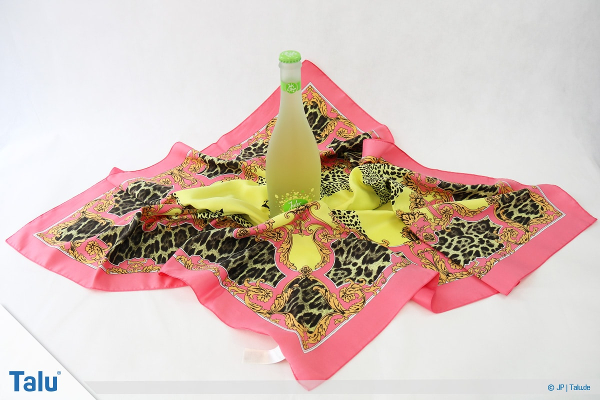Furoshiki, Geschenke mit Stoff, Tüchern verpacken, Variante 3, Beginn