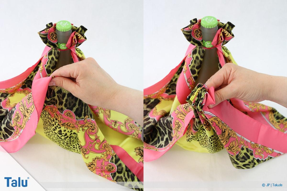 Furoshiki, Geschenke mit Stoff, Tüchern verpacken, Variante 3, wieder einen Tuch-Teil raffen
