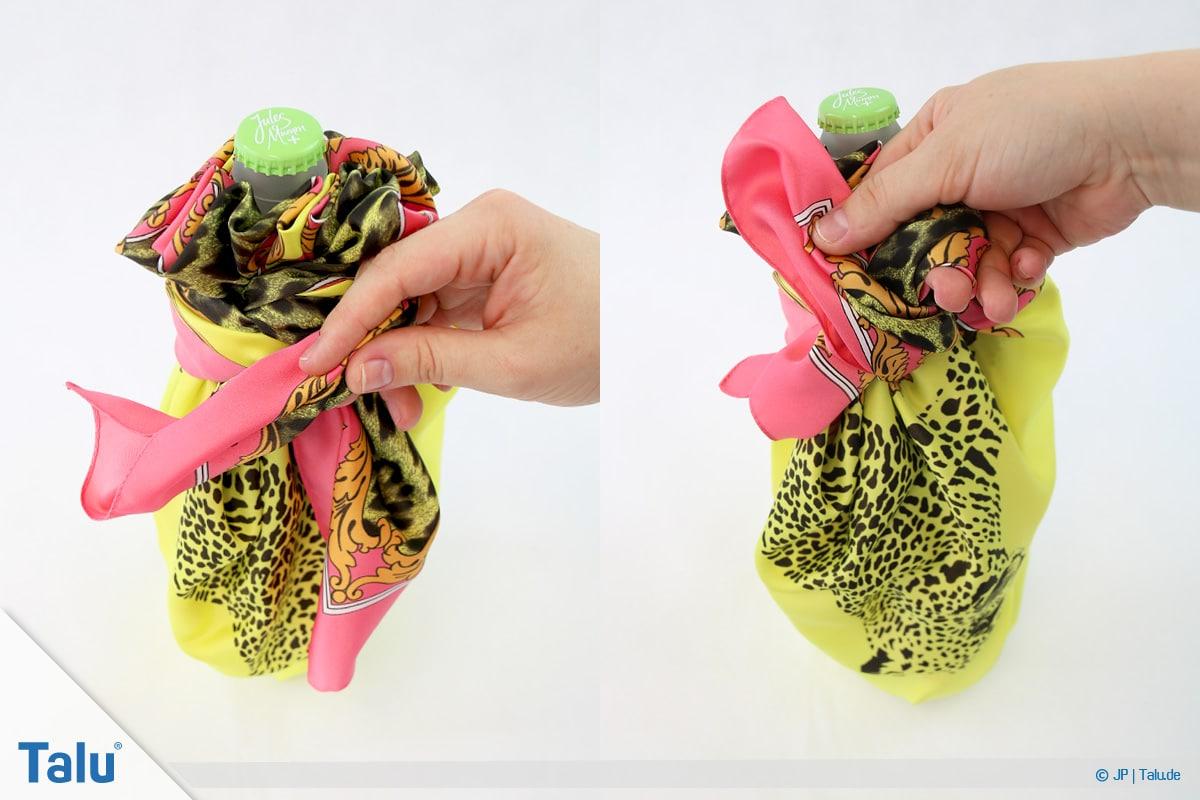 Furoshiki, Geschenke mit Stoff, Tüchern verpacken, Variante 3, wieder zwei Schleifen binden