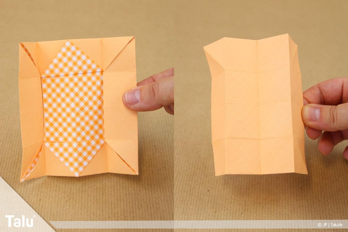 Haus aus Papier basteln, Papierhaus falten, entstandenes Quadrat umdrehen