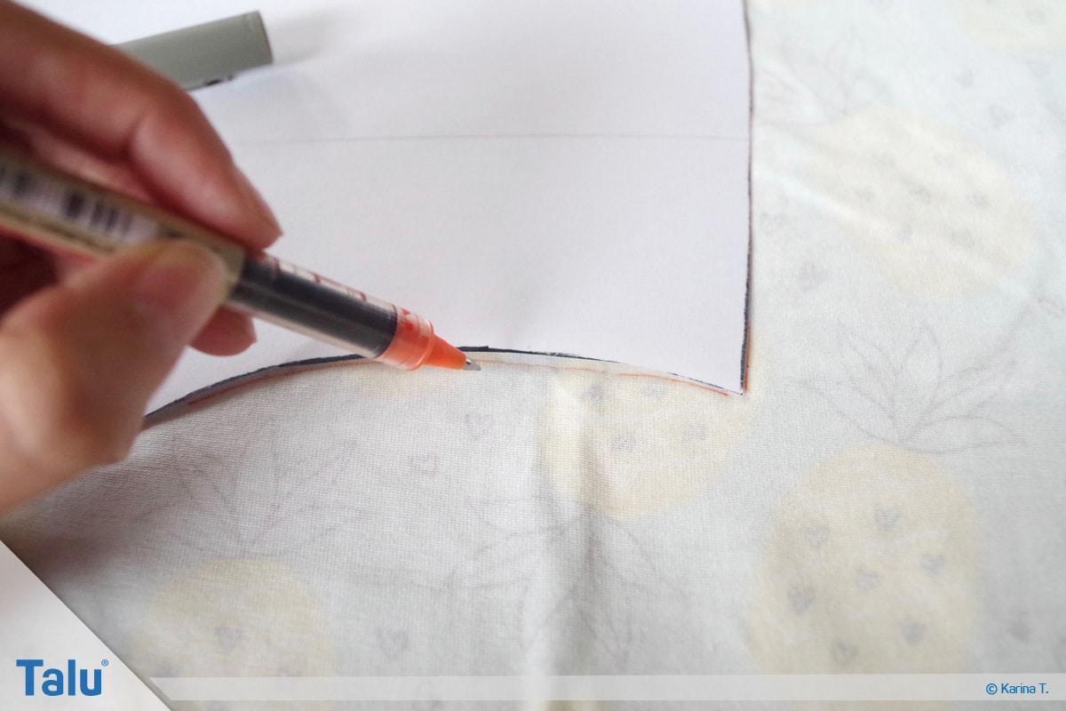 Kapuze nähen und annähen, Schnittmuster, ausgeschnittenes Schnittmuster auf Stoff übertragen