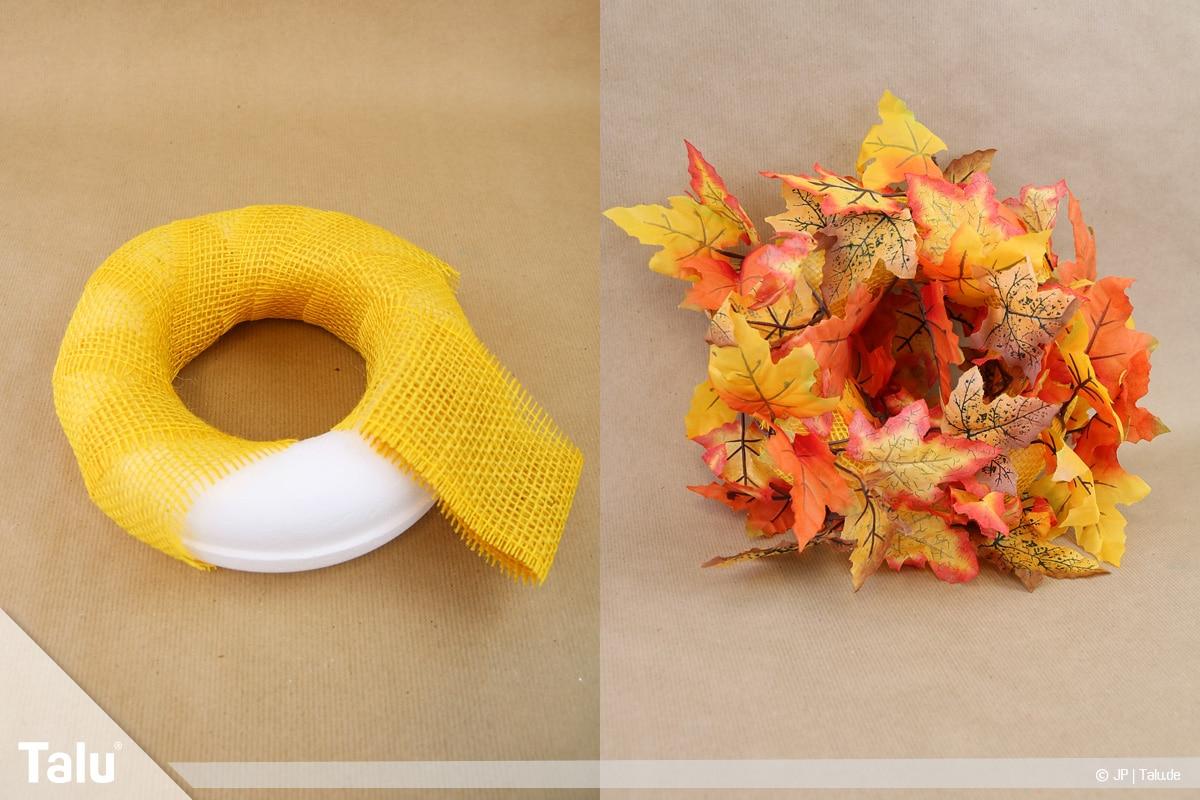 Herbstkranz selber basteln, Anleitung, bunter herbstlicher Kranz