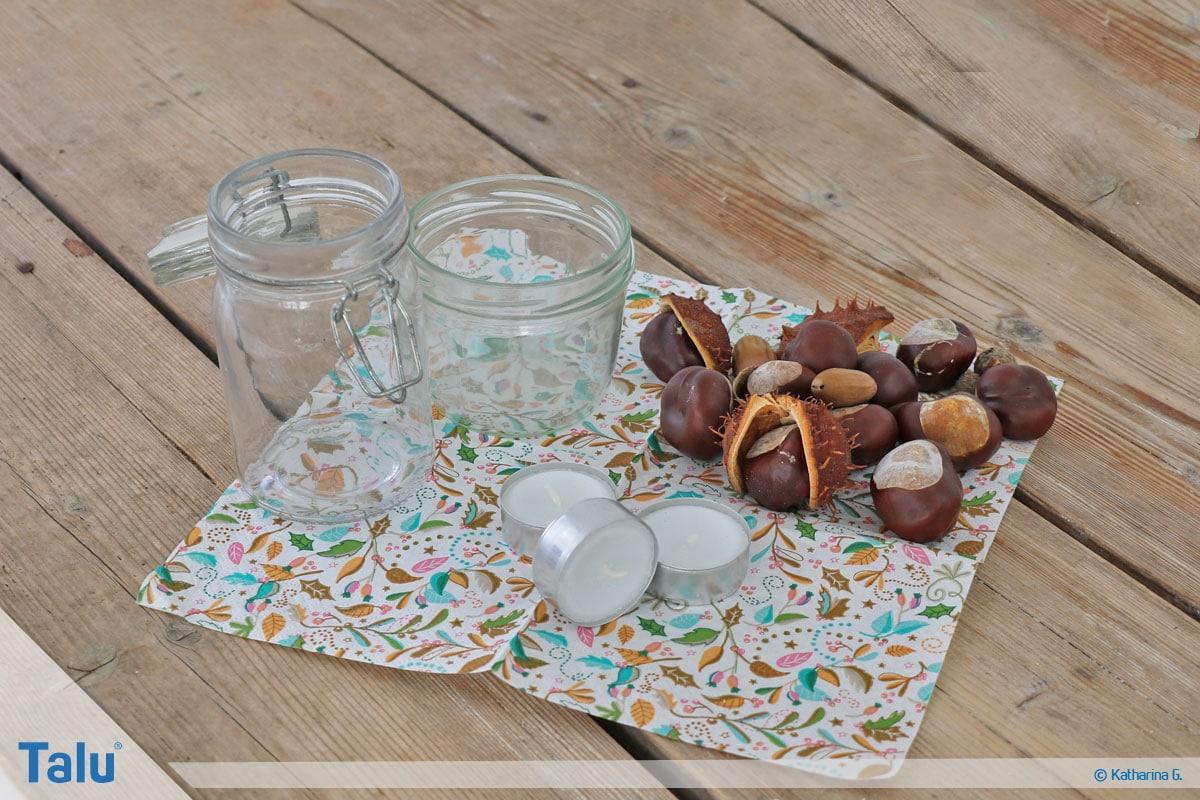 Herbst-Tischdeko selber machen, Teelicht auf Kastanienberg