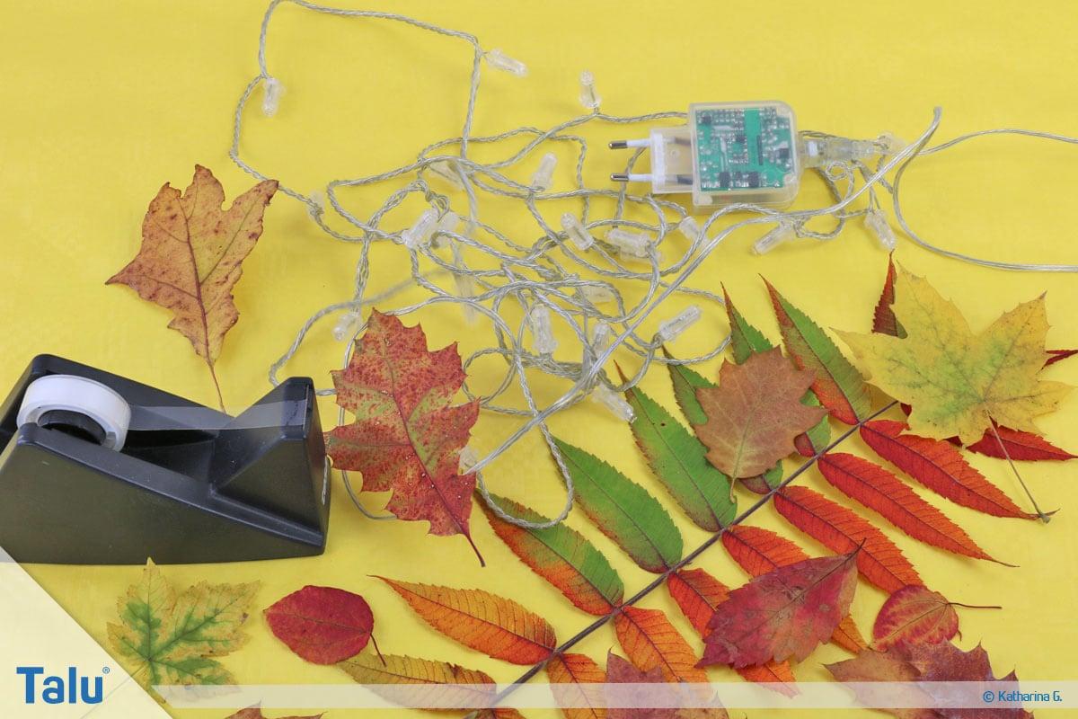 Herbst-Tischdeko selber machen, Lichterkette mit Herbstlaub