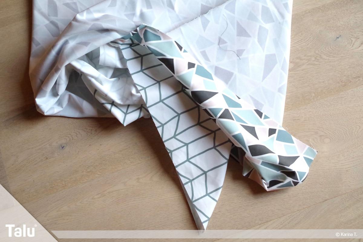 Origami Beutel nähen, Anleitung Origami-Wendetasche, beide Stoffe rechts auf rechts legen
