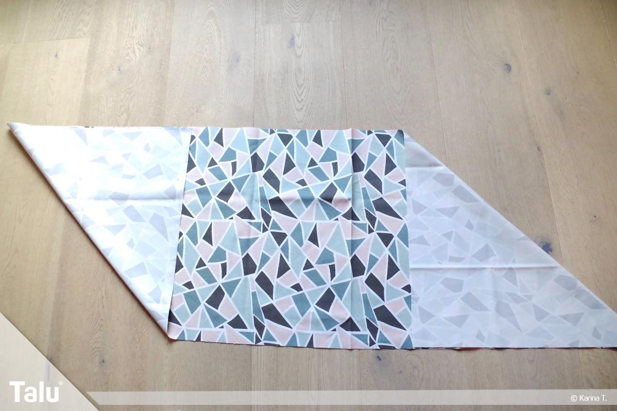 Origami Beutel nähen, Anleitung Origami-Wendetasche, Ecken des Stoffteils einklappen