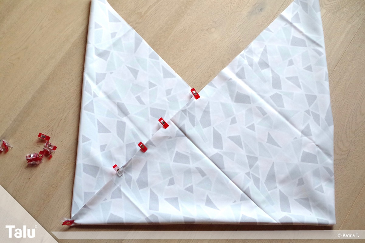 Origami Beutel nähen, Anleitung Origami-Wendetasche, an den Stoffkanten alles feststecken
