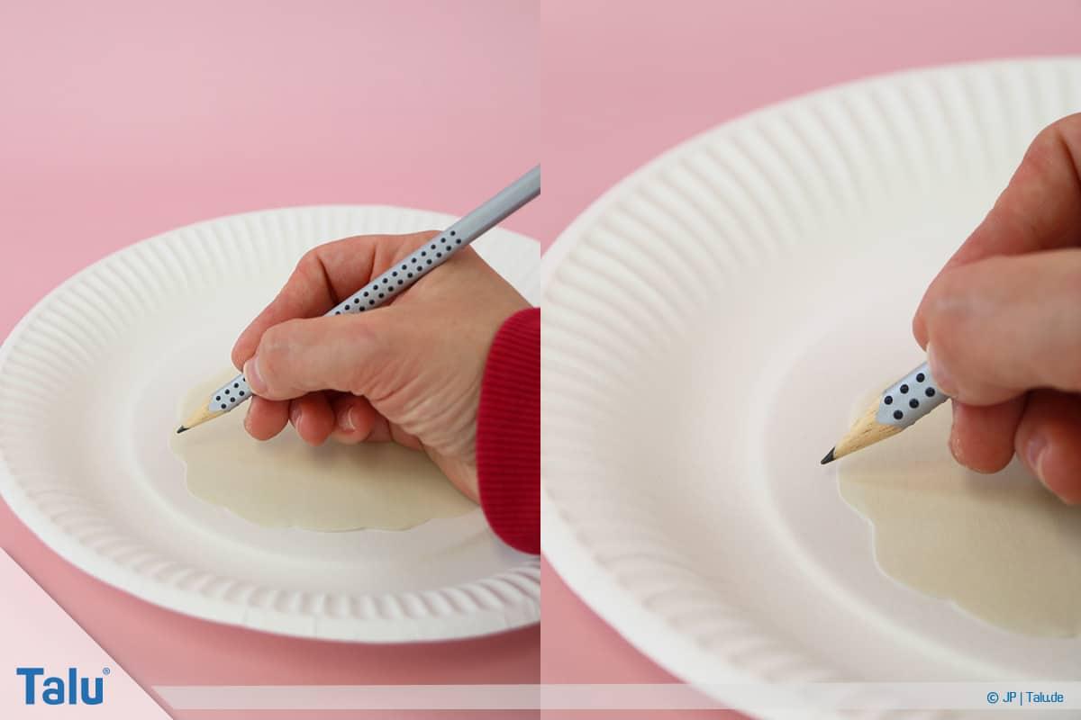 Schafe basteln aus Pappteller/Karton, mit Vorlage, Bastelvorlage als Schablone nutzen