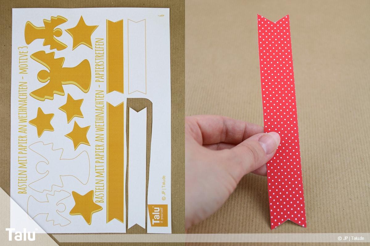 Basteln mit Papier an Weihnachten, Ideen, Papierstreifen aus Muster- oder Tonpapier ausschneiden