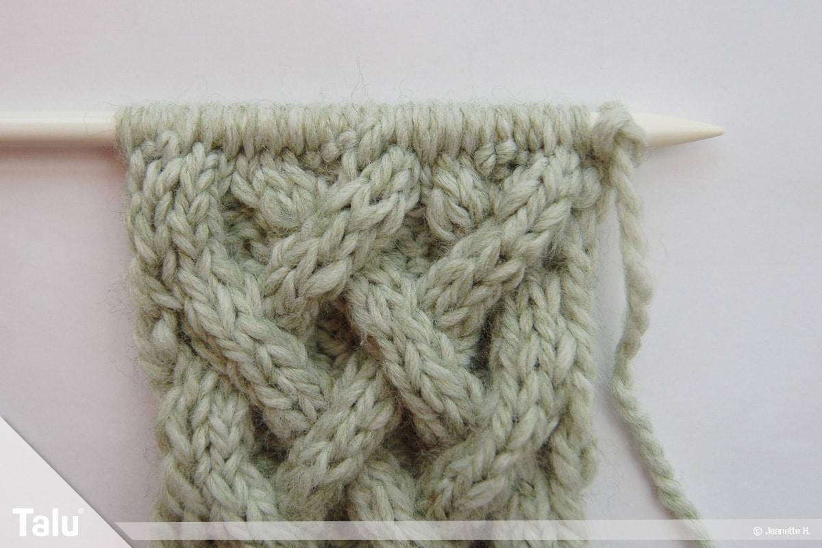 Keltische Muster stricken, Keltenmuster nach acht Reihen
