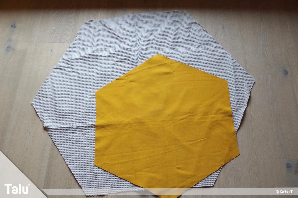 Sitzsack selber machen, Anleitung, zugeschnittene Stoffteile aus dem Außenstoff