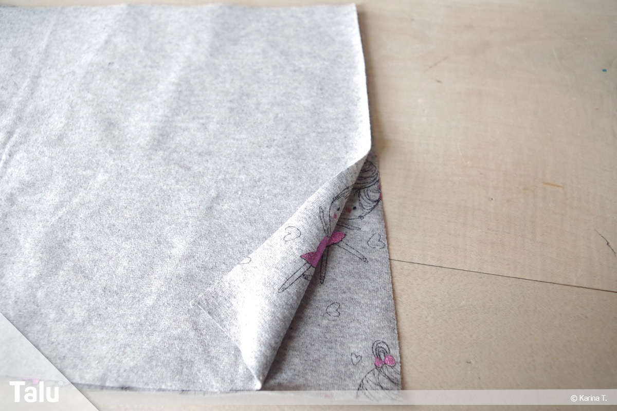 Steppstich/Rückstich, DIY-Anleitung, beide Stoffteile liegen rechts auf rechts