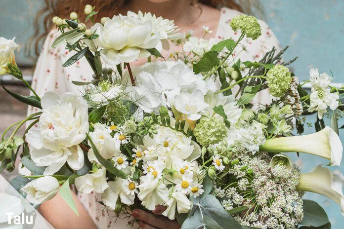 Weiße Schnittblumen